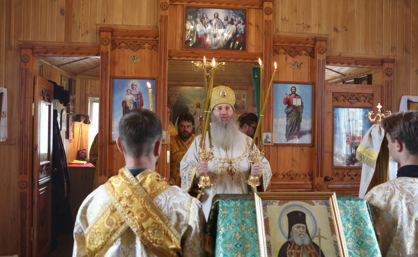 Служение епископа Елисея в день памяти свт. Луки исп., архиеп. Симферопольского.