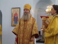Божественную литургию в Покровском кафедральном соборе г. Урюпинска.