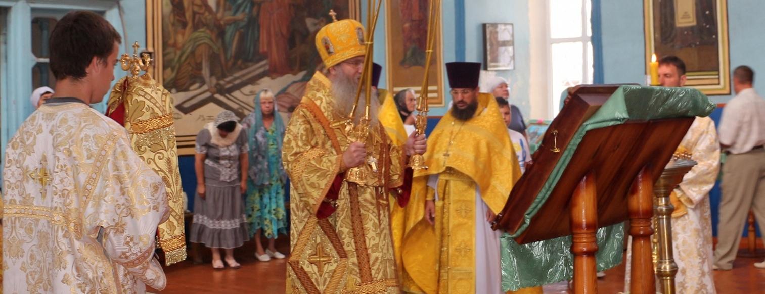 Служение епископа Елисея в день памяти мчч. Мануила.