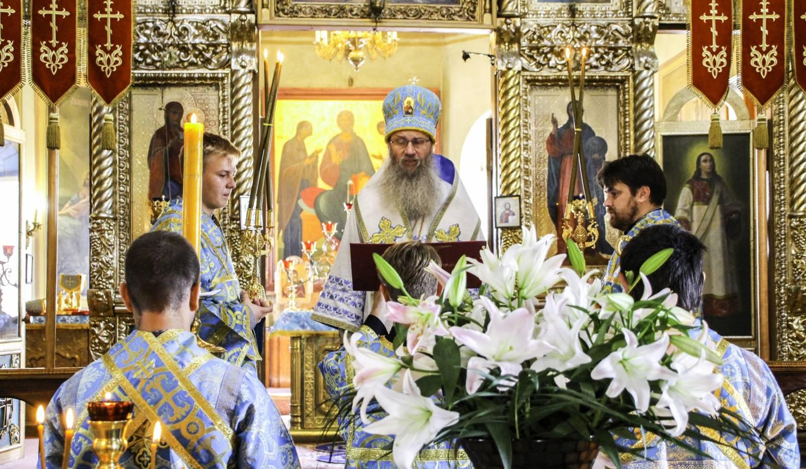 В День празднования Перенесения из Едессы в Константинополь Нерукотворенного Образа Иисуса Христа