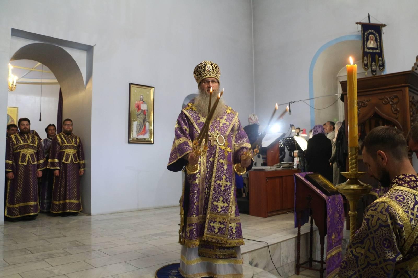 В канун Дня памяти св. сщмч. Николая пресвитера иже в Верхнем Гнутове.