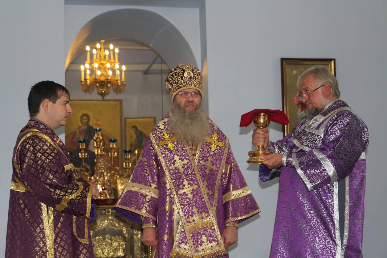 В Попразднство Воздви́жения Честно́го и Животворящего Креста Господня.