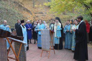 Молебен с акафистом Урюпинской иконе на святом источнике