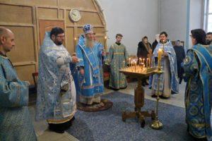 Служение епископа Елисея в день памяти Апп. от 70-ти Филимона и Архиппа