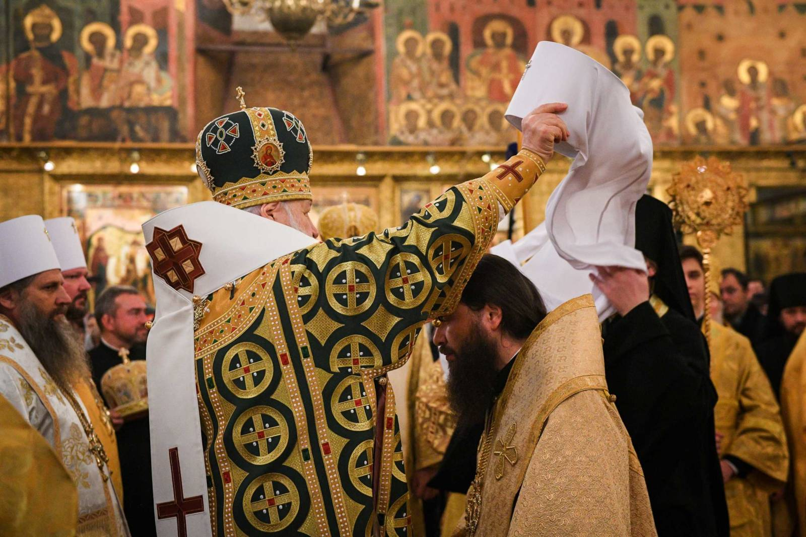 Преосвященный епископ Феодор (Казанов), возведен в сан митрополита.