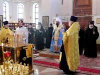Митрополит Феодор совершил литию на главной высоте России