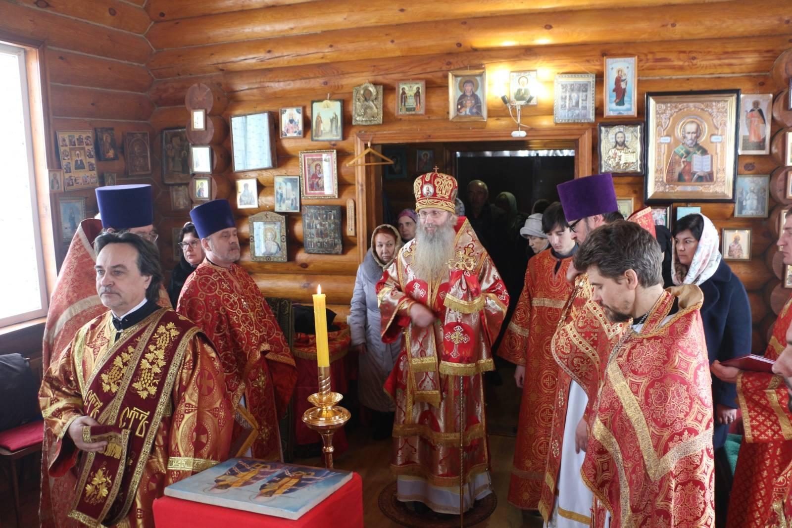 В День памяти сщмч. Влади́мира (Богоявленского), митрополита Киевского (1918).