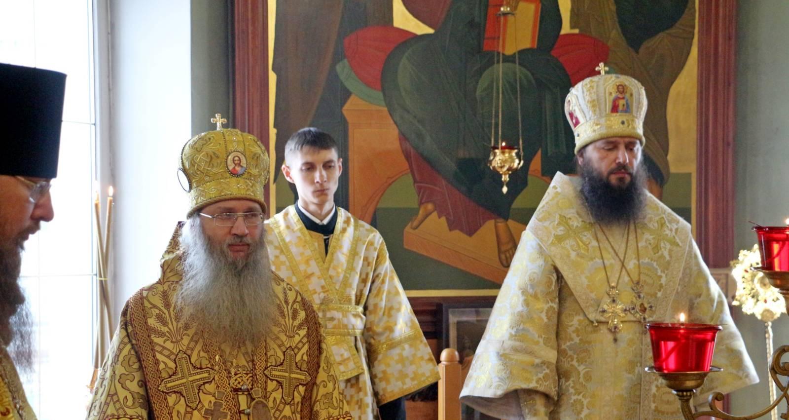 Митрополит Волгоградский и Камышинский Феодор возглавил служение Божественной литургии в Урюпинской епархии.