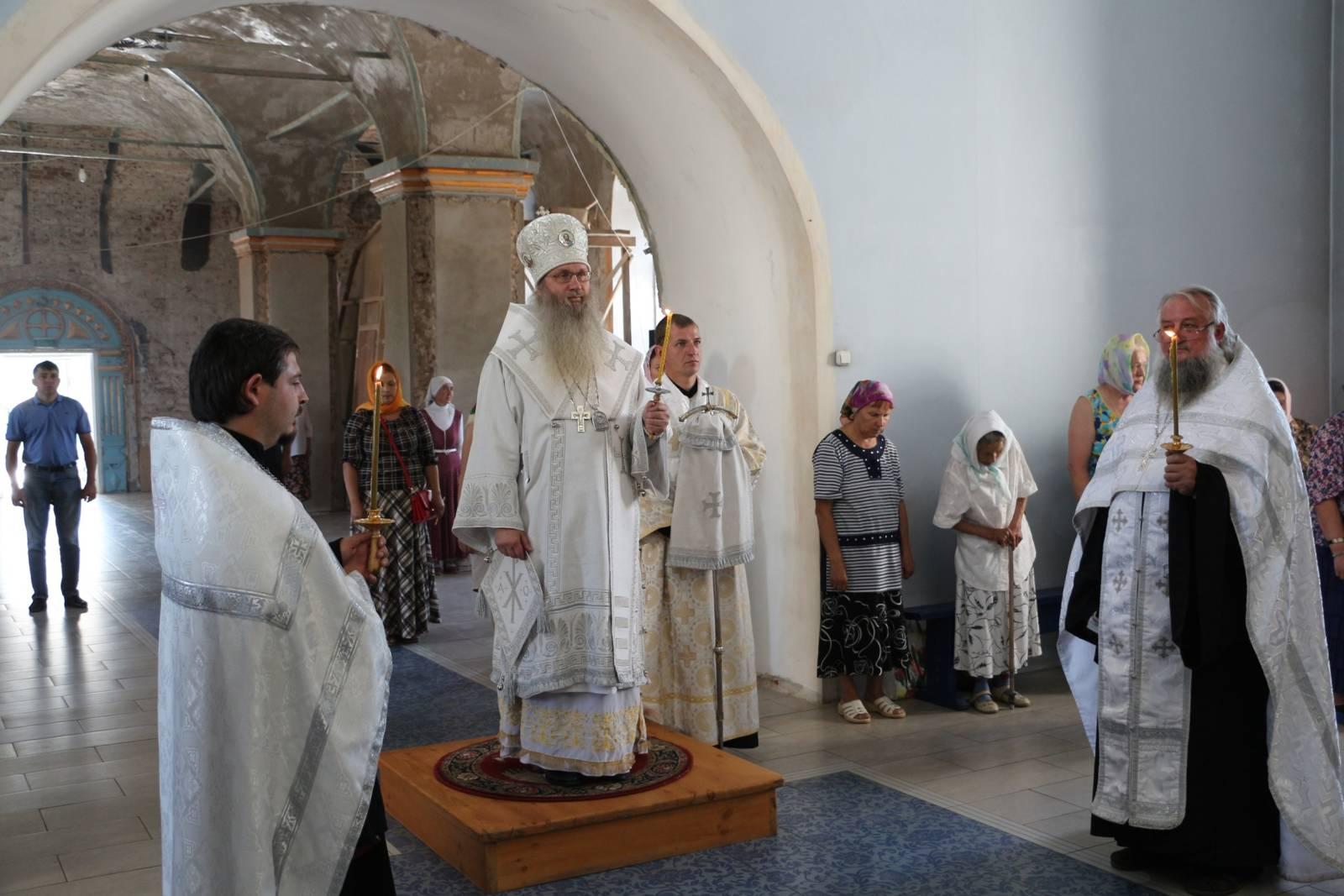 В канун Третьего обретения главы Предтечи и Крестителя Господня Иоанна.