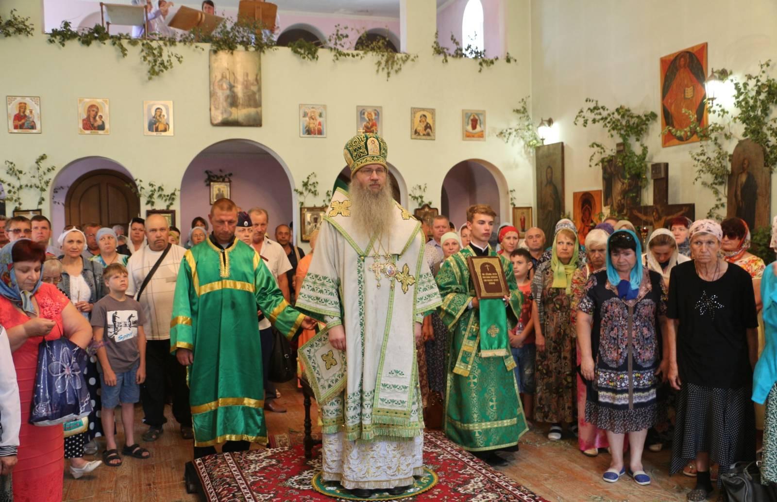 В Неделю 8-ю по Пасхе, День Святой Троицы.