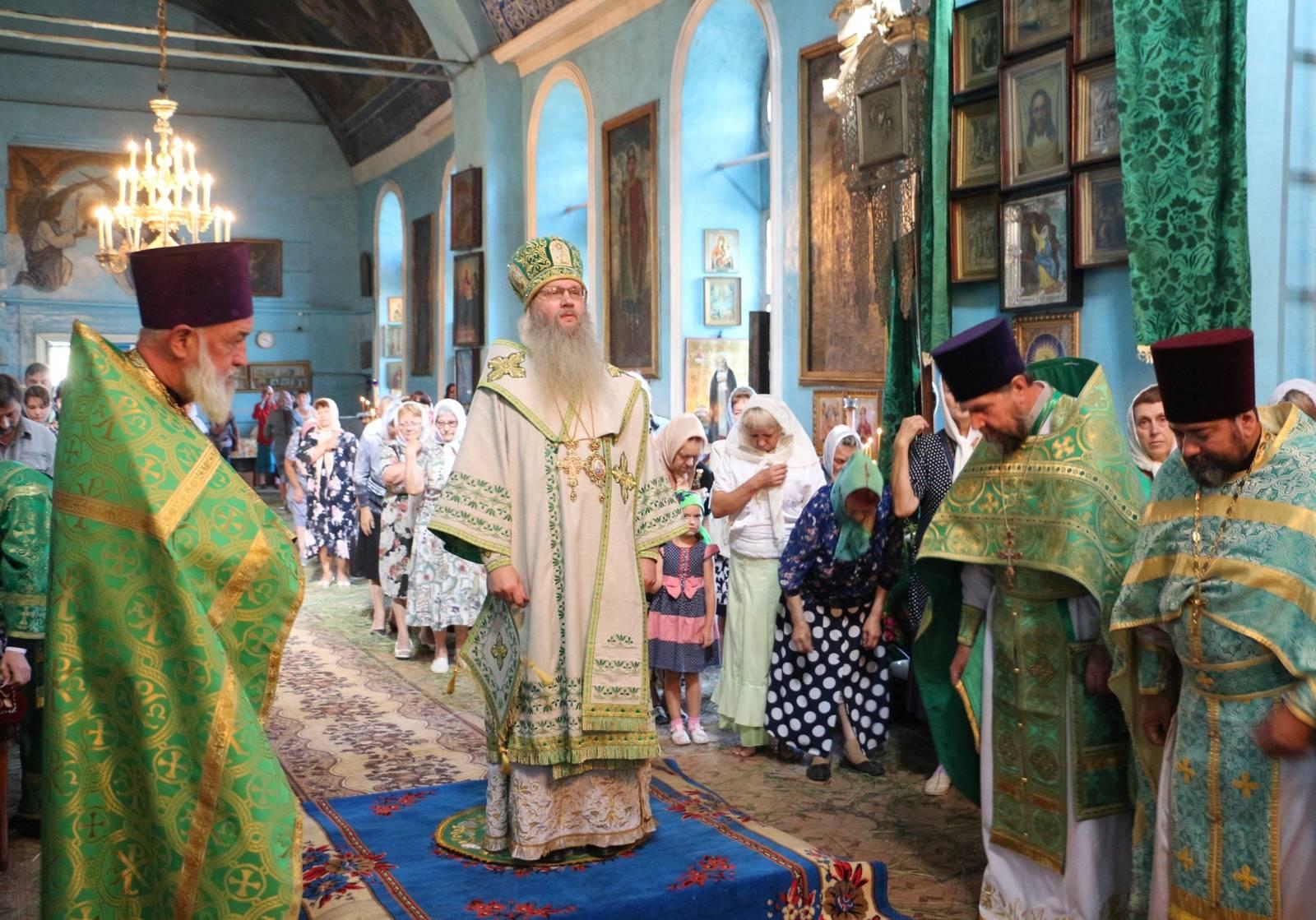 В Седмицу 8-ю по Пасхе, в День Святого духа.