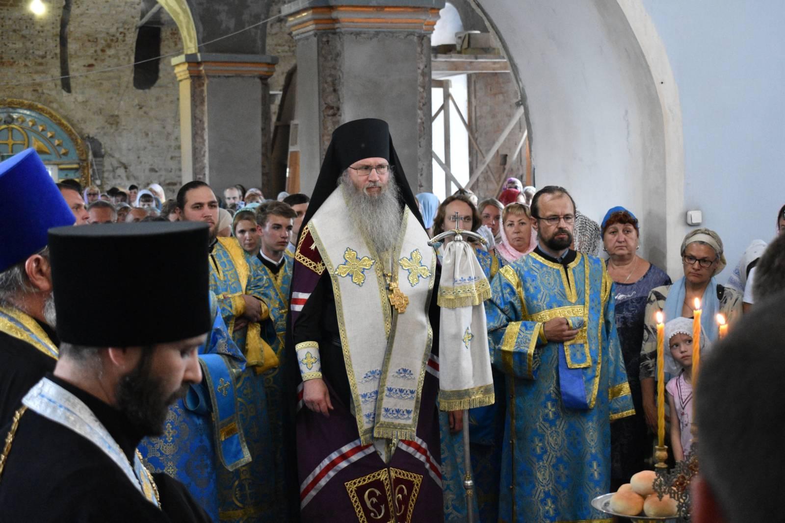 В Урюпинске началось общеепархиальное празднование явления Урюпинской иконы Божией Матери.