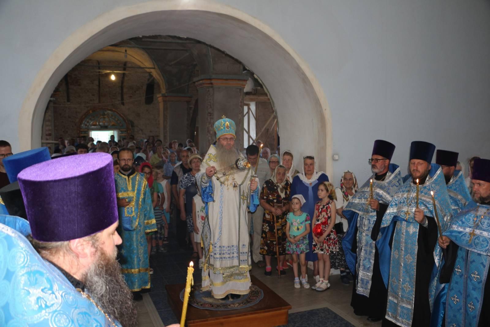 В канун празднования Явления Урюпинской иконы Божией Матери.