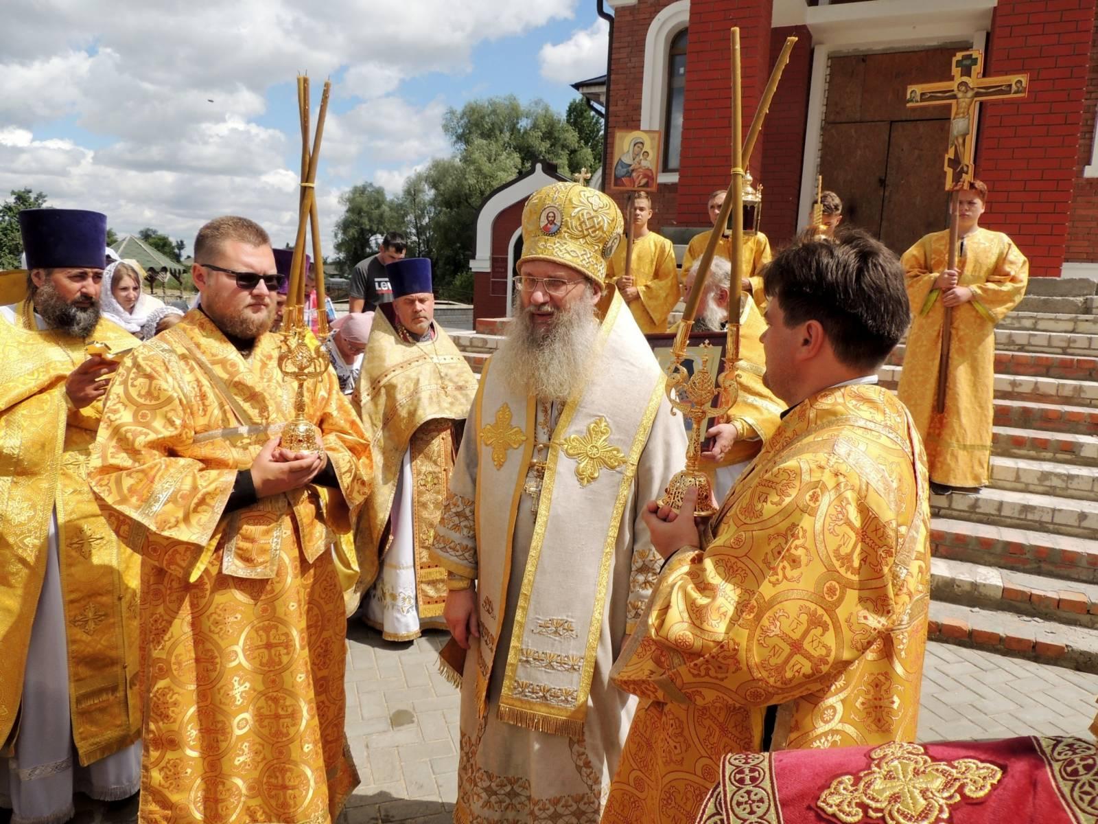 В День памяти Перенесение мощей свт. Феофана Затворника Вышенского.