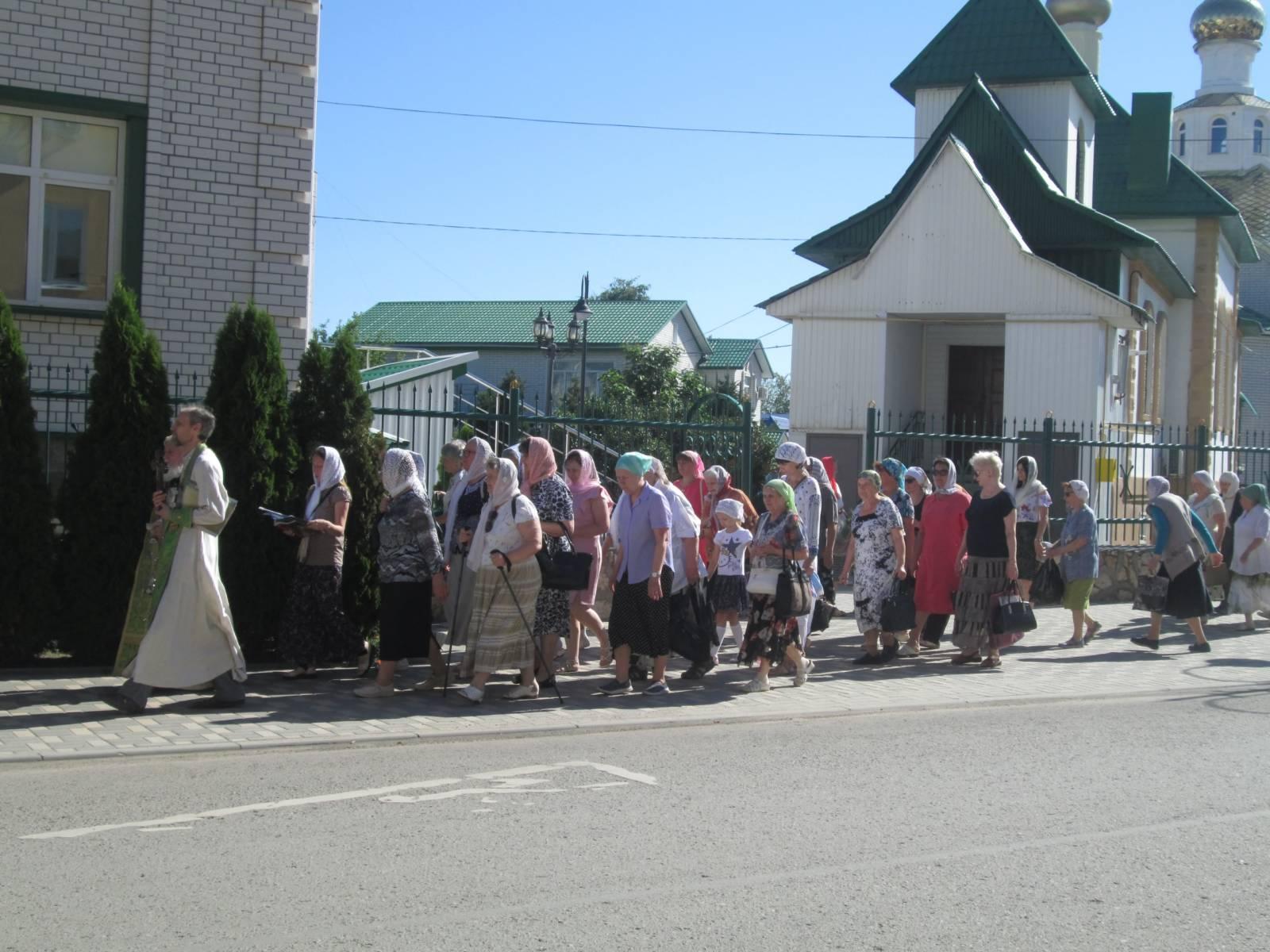 Троицкий крестный ход во Фролово