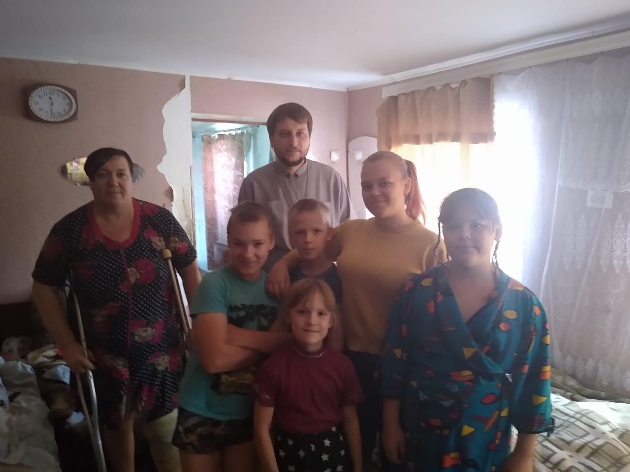 Акция «Собери ребёнка в школу» Покровского прихода
