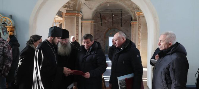 Губернатор посетил храмы епархии